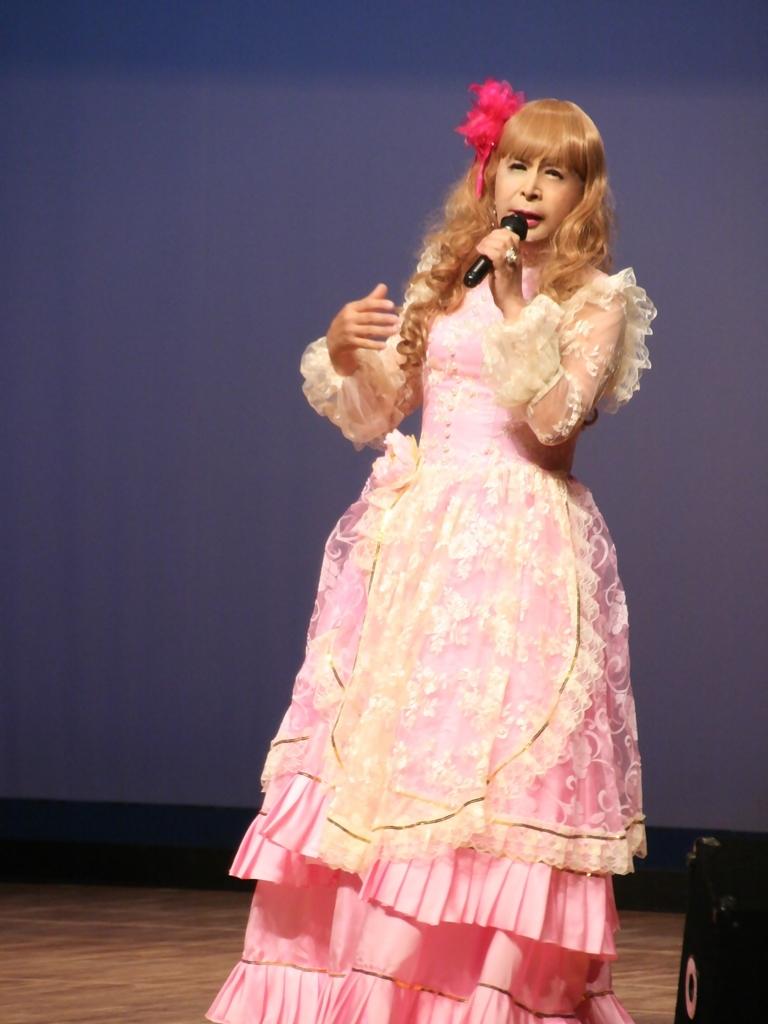 ピンククラシックドレス舞台縦写真A(6)