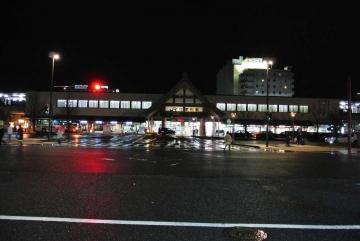 夜の出雲市駅