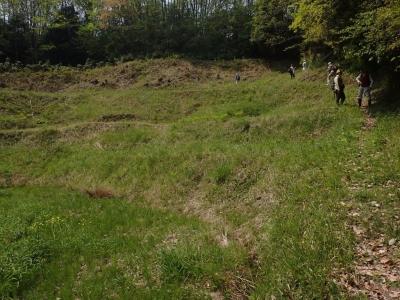 草刈り管理中の棚田