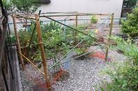 竹の枠とネット