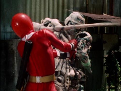 戦隊 ヒーロー カクレンジャー ニンジャレッド サスケ やられ ピンチ 敗北