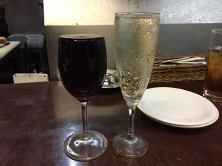 ハウスワインと樽生スパークリング