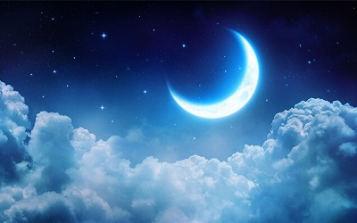 見上げて月