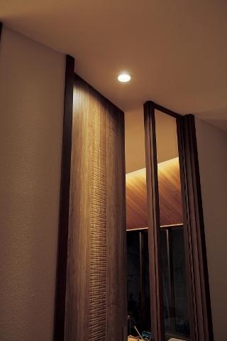 袖ガラス付きドア1