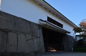 大阪城 多門櫓(二の丸の側から)