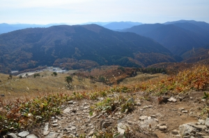 頂上から見た南側登山ルート