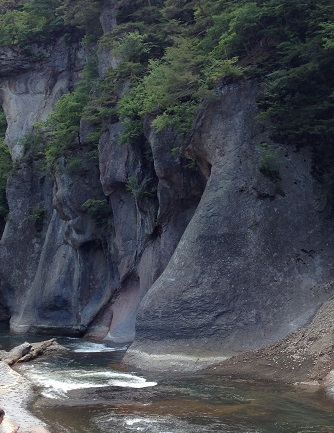 吹き割れの滝2