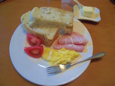 4.29ハーブパンで朝食