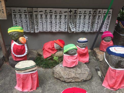 六角堂・わらべ地蔵_H29.04.25撮影