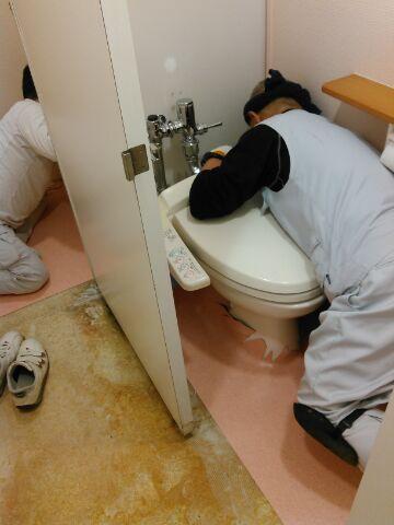 女子トイレ10