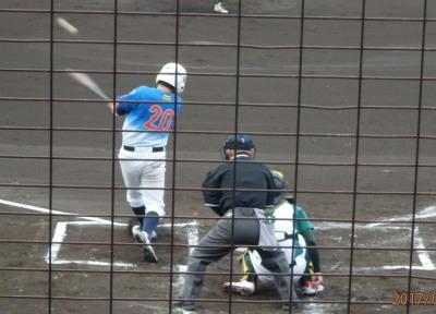 P5120986 1回表炭焼きよた2死二、三塁から5番福田の左前打で1点先制