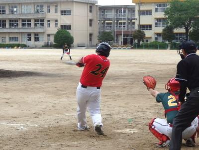 P5161163R・パール2回裏4番が左翼線三塁打を放ちこの回5点目