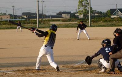 P5181346 同回2死二塁から6番原口瞬の左飛が落球となり二走生還、3点目
