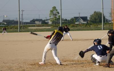 P51813921死二塁から8番松本が中越え2点本塁打を放ち9点目