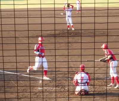 P5191447味千拉麺3回裏8番が左越え本塁打を放ち1点先制
