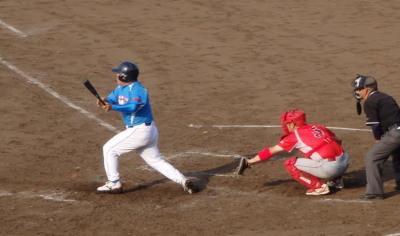 P6022458ヒューマン5回表1死二塁から左翼線いっぱいに入る二塁打で二走生還1点かえす
