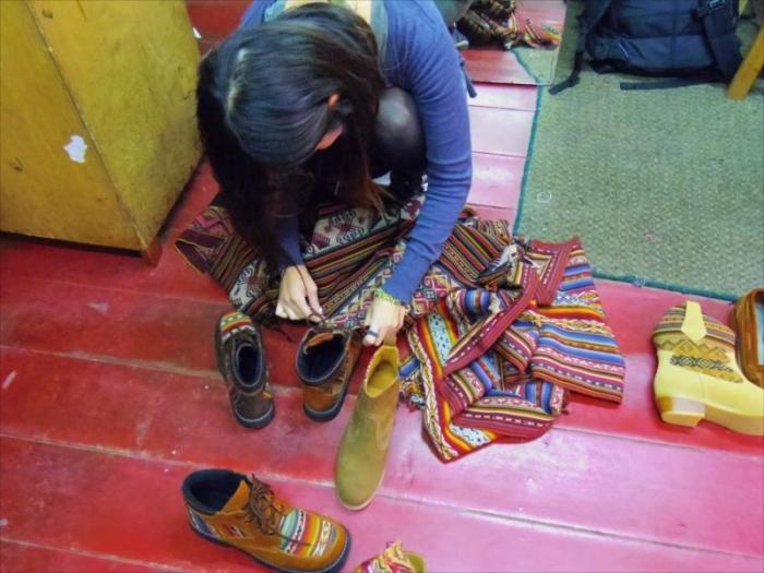クスコで靴づくり (5)
