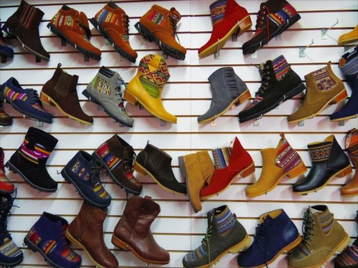 クスコで靴づくり (6)