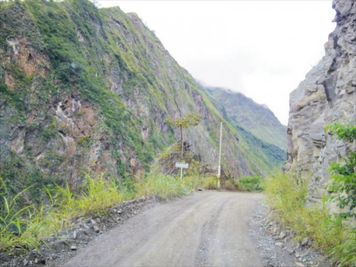 クスコからマチュピチュ村へ (11)