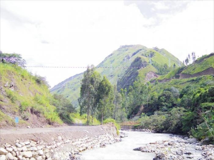 クスコからマチュピチュ村へ (22)