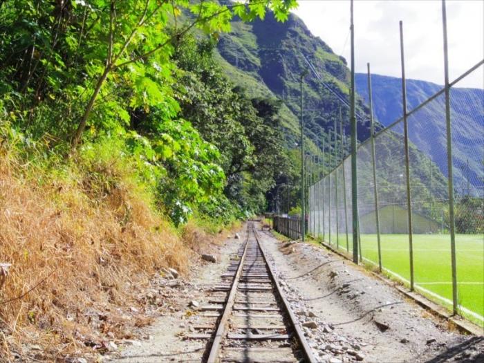 クスコからマチュピチュ村へ (32)