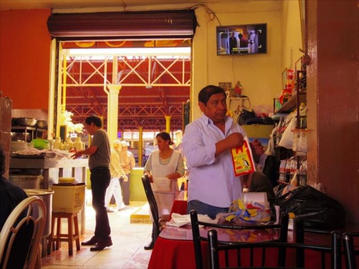 アレキパメルカドのレストラン (1)