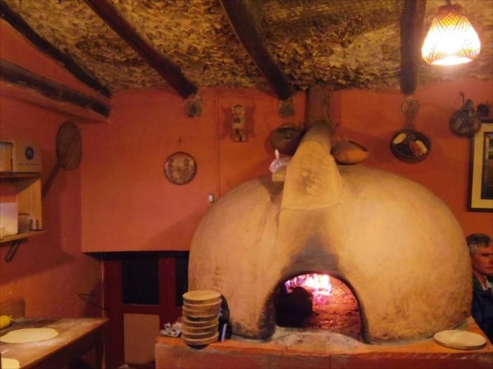 クスコでピザ (4)
