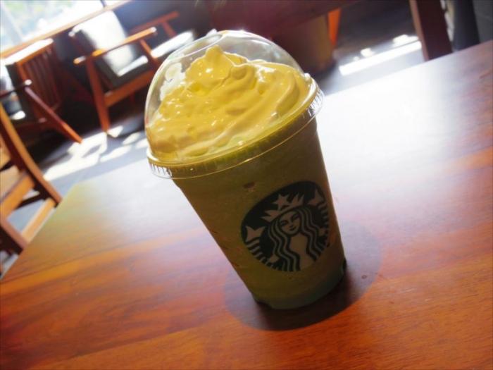 スタバの抹茶フラペチーノ (1)