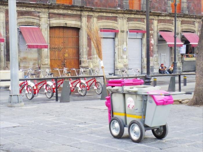メキシコシティのゴミ箱 (1)