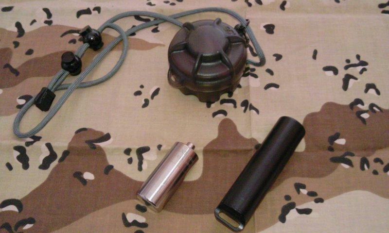 CR123バッテリーケース1