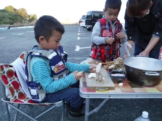 漁港でキャンプ (6)