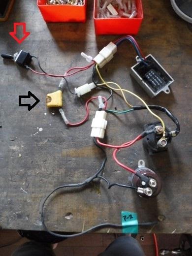①電装ボックスに詰める (13)