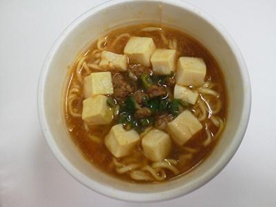 大きめ豆腐の麻婆豆腐風ラーメン_05