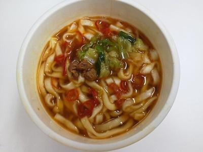 どん兵衛 焼餃子風うどん_05