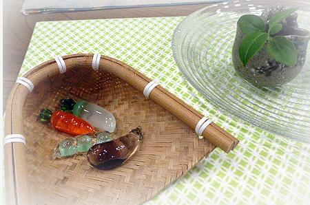 ガラス野菜箸置き