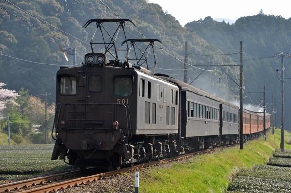 かわね路2号後部補機いぶき501(2017年4月14日)