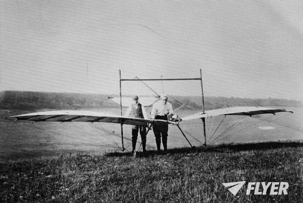 1898-Pilcher-Hawk-1000x670.jpg