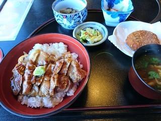 s枕流亭で豚丼 (4)