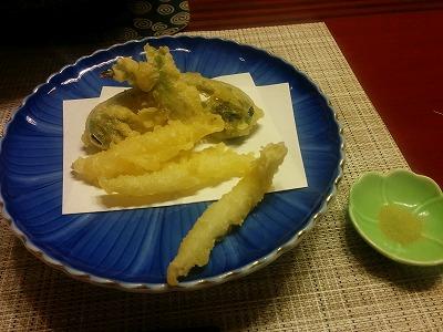 たらの芽・こごみ・白魚の天ぷら