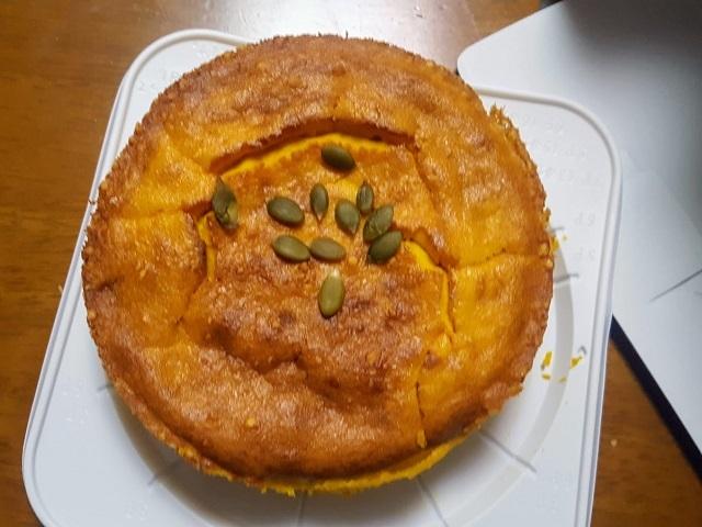 息子の彼女作パンプキンケーキ
