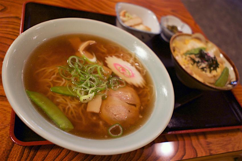 お食事処 栗山@那須烏山市曲田 しょう油ラーメン+ミニ親子丼