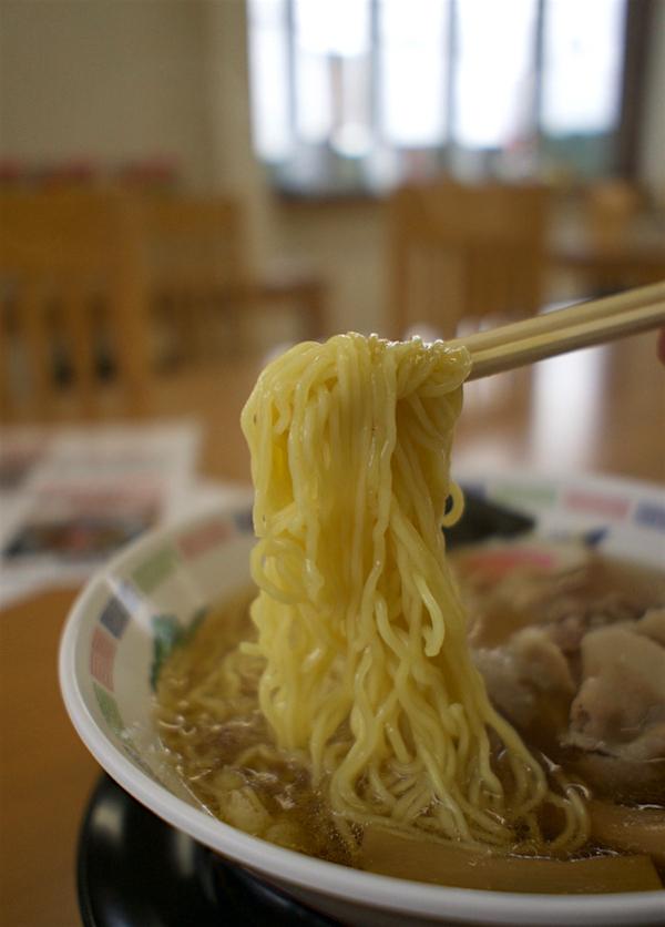 正木屋知床鶏醤油ラーメン 麺