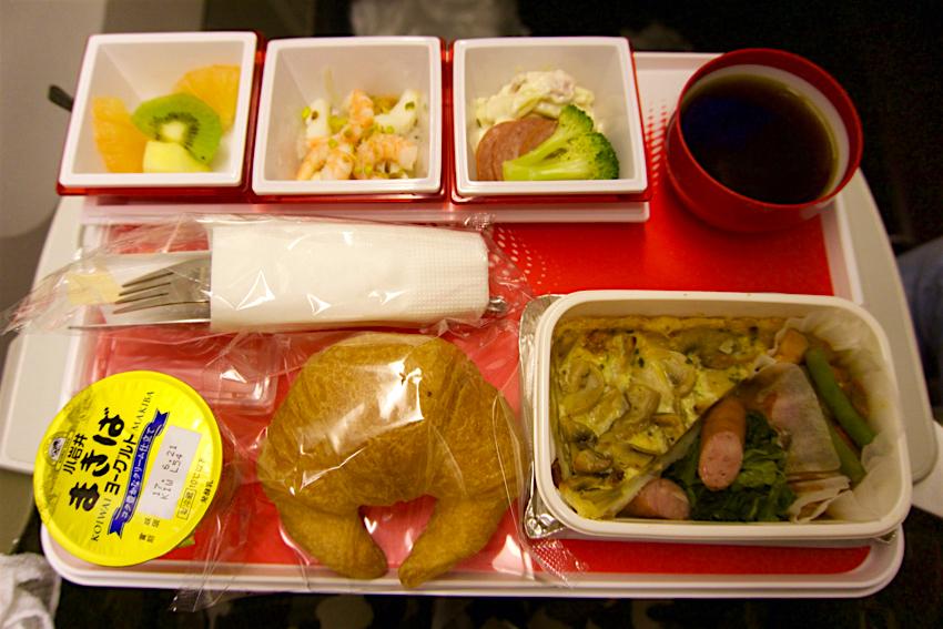 サムイ島旅行記 1日目 JAL機内食