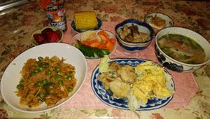 晩御飯 豚汁・南京サラダ・鶏酢煮・すき焼き