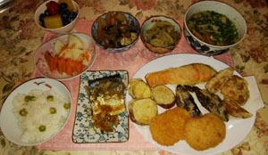 晩御飯 天婦羅・煮物2つ・鯖煮付・豚汁