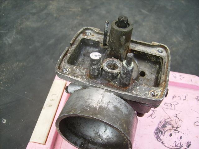 TS400キャブ フロート支柱折損修理1
