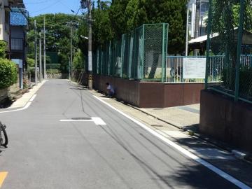 大曽根中学校駐車場前-crop