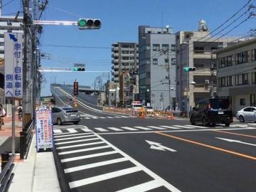 上飯田駅前南から-crop