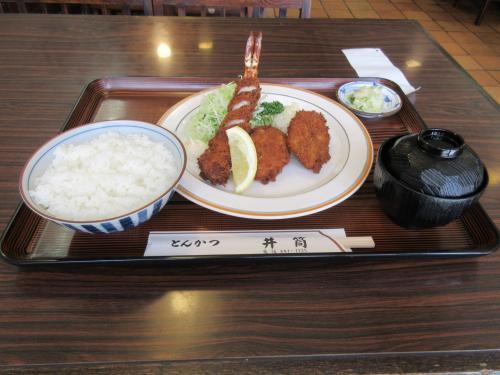 ミックスフライ定食(エビフライとコロッケ)