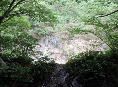 29_06_099 水が流れ落ちるところ